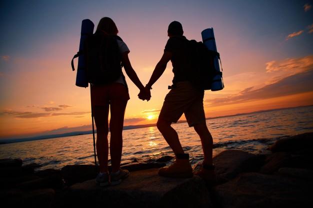 couple-enjoying-skyline_1098-2923